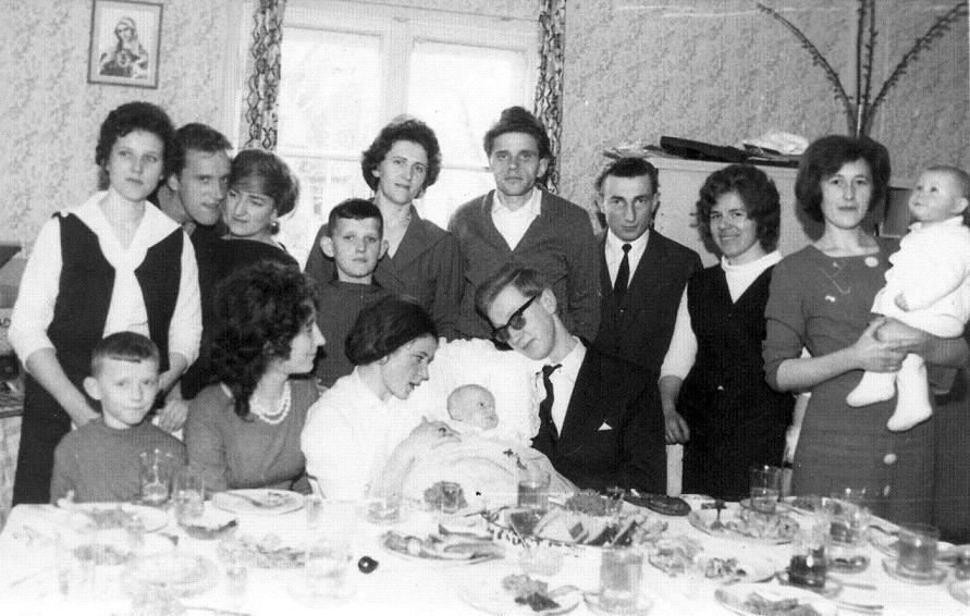 Chrzciny Roberta syna Ireny i Wiktora Nowickich Duszniki Zdrój 1965 rok
