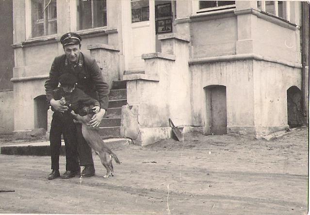 Tato i Janusz Cyronkowie Kotowice 1967 rok